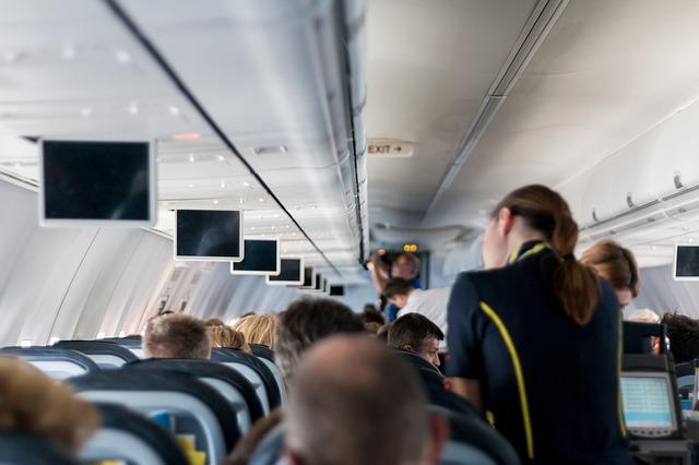 como ser azafata de vuelo